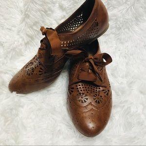 STEVE MADDEN • brown vintage like loafers sz 8 1/2